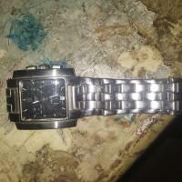 Jam tangan pria tissot bekas