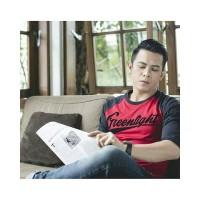 Kaos Distro Greenlight Raglan Distro Bandung