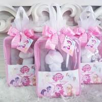 hampers baby/baby one month/pouch custom/tas mika custom/souvenir ulta