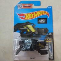 Hotwheels batman batmobile the bat 2015 kuning