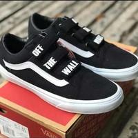 Sneakers Vans Old Skool v Off The Wall Black/White