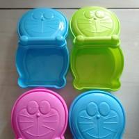 Kotak Makan Anak / Tempat Makan Doraemon