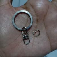 gantungan kunci ulir 8 model putar/100 bh plus jump ring