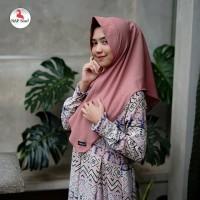 Warna Dusty pink. Khimar Aisyah