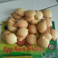 biskuit egg moon