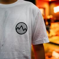 Space People T-Shirt Putih Kaos Kopi Backprint Streetwear Roastery