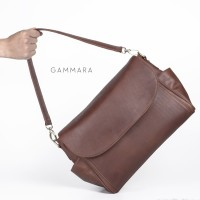 Gammara Leather Shoulder Bag - Maiwa (Dark Brown) 08b1f99aa0