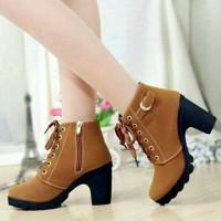 Cassandra Sepatu Heels Boots Wanita