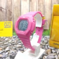 Q&Q Digital Jam Tangan Wanita Pink Strap Karet M137J006Y Original
