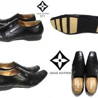 sepatu pria formal louis vuitton black kulit asli 38-44