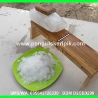Ice Crusher / Mesin serut es batu manual dari kayu jati