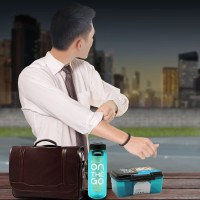 PAKET LUNCH BOX & SPORT BOTTLE ON THE GO FOR MAN