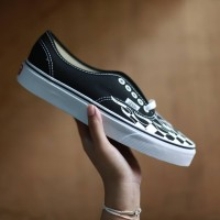 Vans Authentic Flame Checker Black White c917cedb44