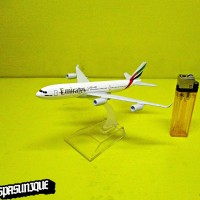 Pajangan Miniatur Diecast Pesawat Emirates 1