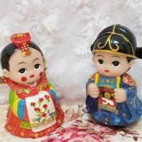 jual best seller patung mini korea couple/pajangan mobil