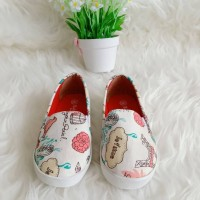 Sepatu anak perempuan slip on paris kanvas sepatu anak slip on