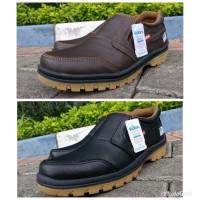 kickers sepatu kulit asli