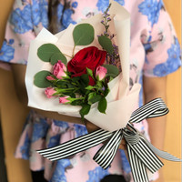 You Da One - Buket Bunga Mawar Merah Dengan Baby Rose