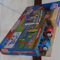Thomas & Friends Motorized Railway Race ToThe Finish Thomas & Yong Bao