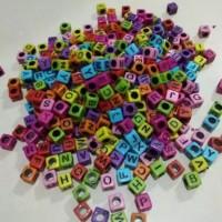 Mote huruf mote abjad warna warni