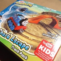 THOMAS & FRIENDS ADVENTURES - SHARK ESCAPE Track Pack - FREE 1 DIECAST
