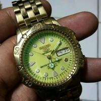 jam tangan pria bekas lumayan mulus ..