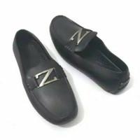 Sepatu Pantofel Karet Pria - Kinbos Z