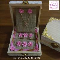 kotak kayu wood rustic tempat cincin dan kalung gold silver emas perak