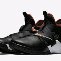4f407bd2729 Sepatu Baaket -Nike Lebron Soldier XII SFG Bred-PRM