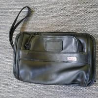 Tumi clutch black original