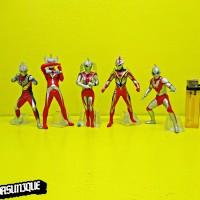 Action Figure Ultraman isi 5 540