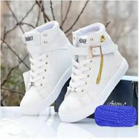Sepatu Boots Wanita Cewek Delta Dr Martens Sneakers Murah Keren Unik