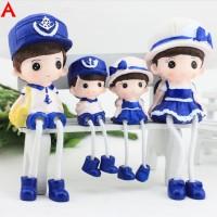 Happy Family Resin Doll Type A /Patung Pajangan Keluarga Kado Souvenir