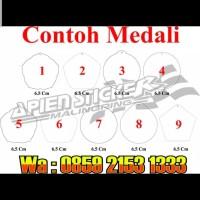 Bahan Medali Akrilik Bunga Polos Untuk wisuda 2 mm Uk 7 cm x 7 cm