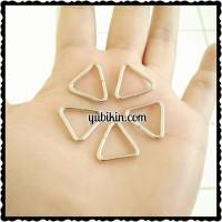 144 Piece Ring Segitiga 15mm Silver Nikel Besi
