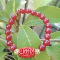 Gelang giok merah bandul cinnabar