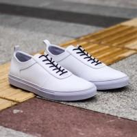 LVNATICA WOLF WHITE - Sepatu Putih Casual Sport Santai Sneakers Kasual