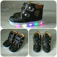 Sepatu boots anak ignazio LED
