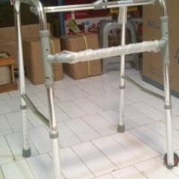 Tongkat Walker Beroda / Alat Bantu Jalan / Merk Sella 912L