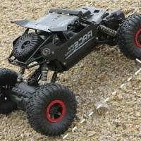 Mobil Remote 4WD Rock Crawler Offroad 2.4 Ghz / Mainan RC Remote