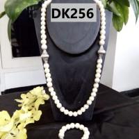 Kalung Tipe Satu Rantai Motif Bola Berliontin Nuansa Putih - DK256