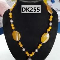 Kalung Tipe Satu Rantai Berliontin Nuansa Gold - DK255
