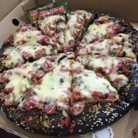 Delicious Black Pizza Homemade Size L
