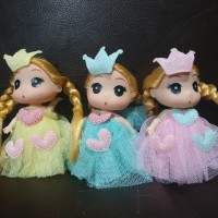 gantungan kunci boneka barbie cantik