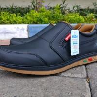 Sepatu casual kulit pria bahan kulit asli