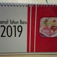 Kalender Meja Tahun 2019 Bentuk Portrait Tema Boneka Pink