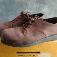 Sepatu Otiv