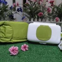 OXO TOT on-the-go wipes dispenser / tempat tissue