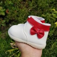 Sepatu Boots Anak Pita Merah SDS 402