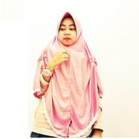 Hijab Khimar Serut Samping Dengan Renda Putih/Jilbab Syari Model Serut